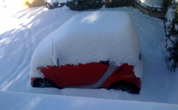 Smart car in Seattle snow