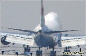 747landing_jefflowe_sign