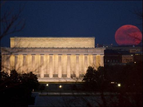 super-moon-2011-nasa-bill-ingalls