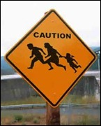 illegal-aliens-crossing-fence