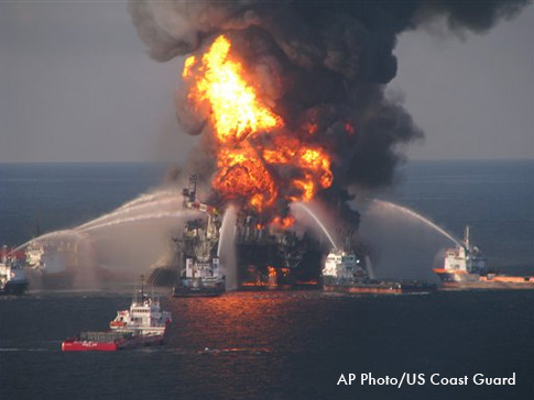 Oil rig burning before sinking