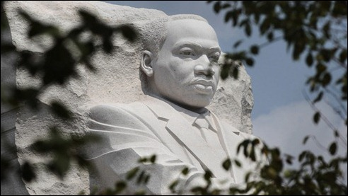 800_mlk_washington_memorial_ap_110822