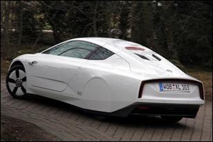 2014volkswagenxl1_rear