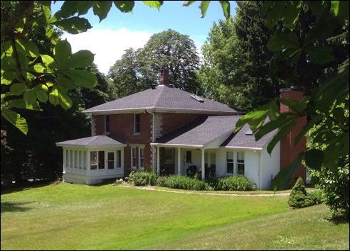 Farmhouse_FromGarden140621