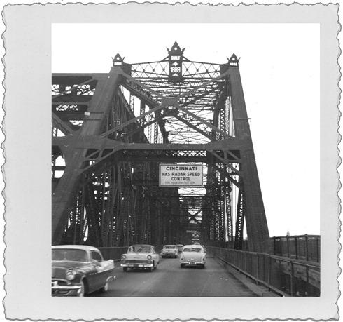 DadC_OhioRiverBridgeCincinnati1950