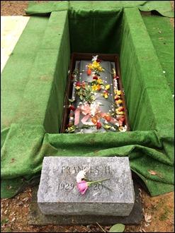 FranceHoward_Burial170121