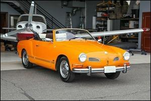 VW1974KarminnGhia_frt_AZ