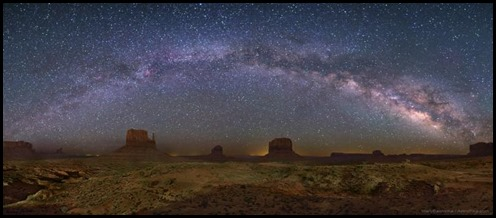 milky-way-monument-valley